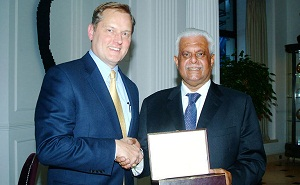 Abdullah bin Hamad Al Attiyah, the Chairman of the Administrative Control and Transparency Authority receive  Exxon Mobil's 'Dewhurst Award'.