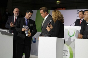 Al Tayer and Schwarzenegger sign partnership agreement to promote sustainability